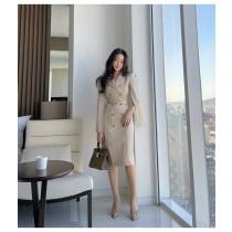 【預購8.65IBV】新款韓版女西裝領束腰雙排扣風衣款連衣裙(杏色)