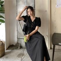 【現貨5.49IBV】韓版公主泡泡袖收腰法式復古V領連衣裙中長款(黑色)